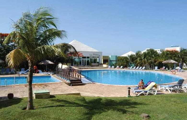 HOTEL ALLEGRO PALMA REAL 7