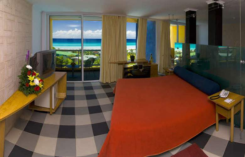 HOTEL BARCELO SOLYMAR, OCCIDENTAL ARENAS BLANCAS 2