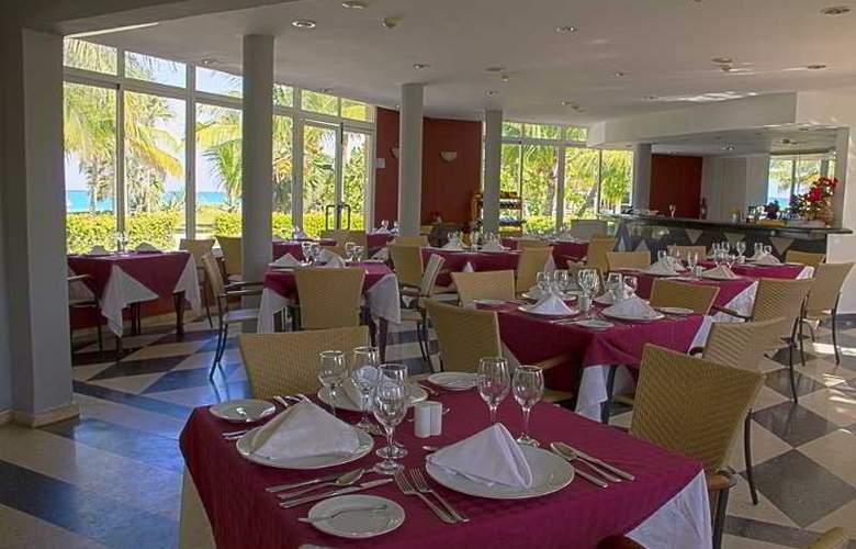 HOTEL BARCELO SOLYMAR, OCCIDENTAL ARENAS BLANCAS 4