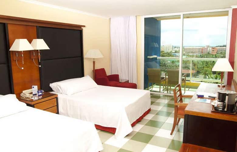 HOTEL BARCELO SOLYMAR, OCCIDENTAL ARENAS BLANCAS 8